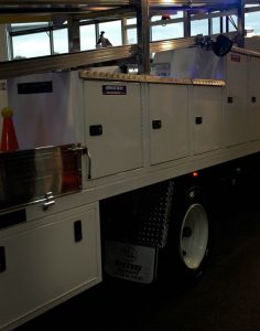 02-Electrical service truck